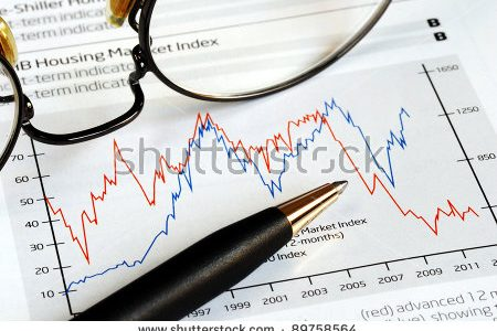 stock-photo-analyze-the-investment-trend-from-the-chart-89758564[2]