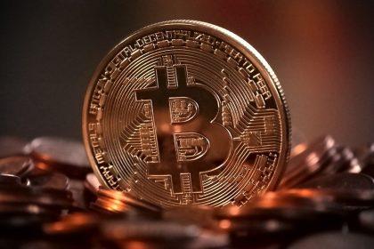 Bitcoin, 七年內新貨幣